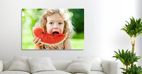 Oferta foto lienzo ejemplo niña en salon