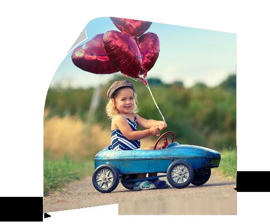 aterrizaje poster ejemplo niña globos coche